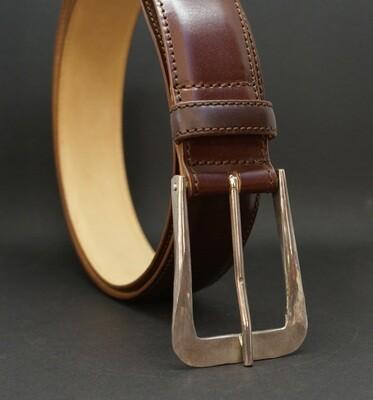 Gürtel mit handgeschmiedeter Schließe aus Sterlingsilber