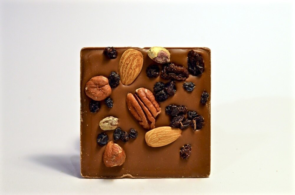 Belu Choco Bar Nuts and Fruits Milk