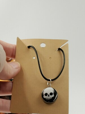 fabric button pendant skull