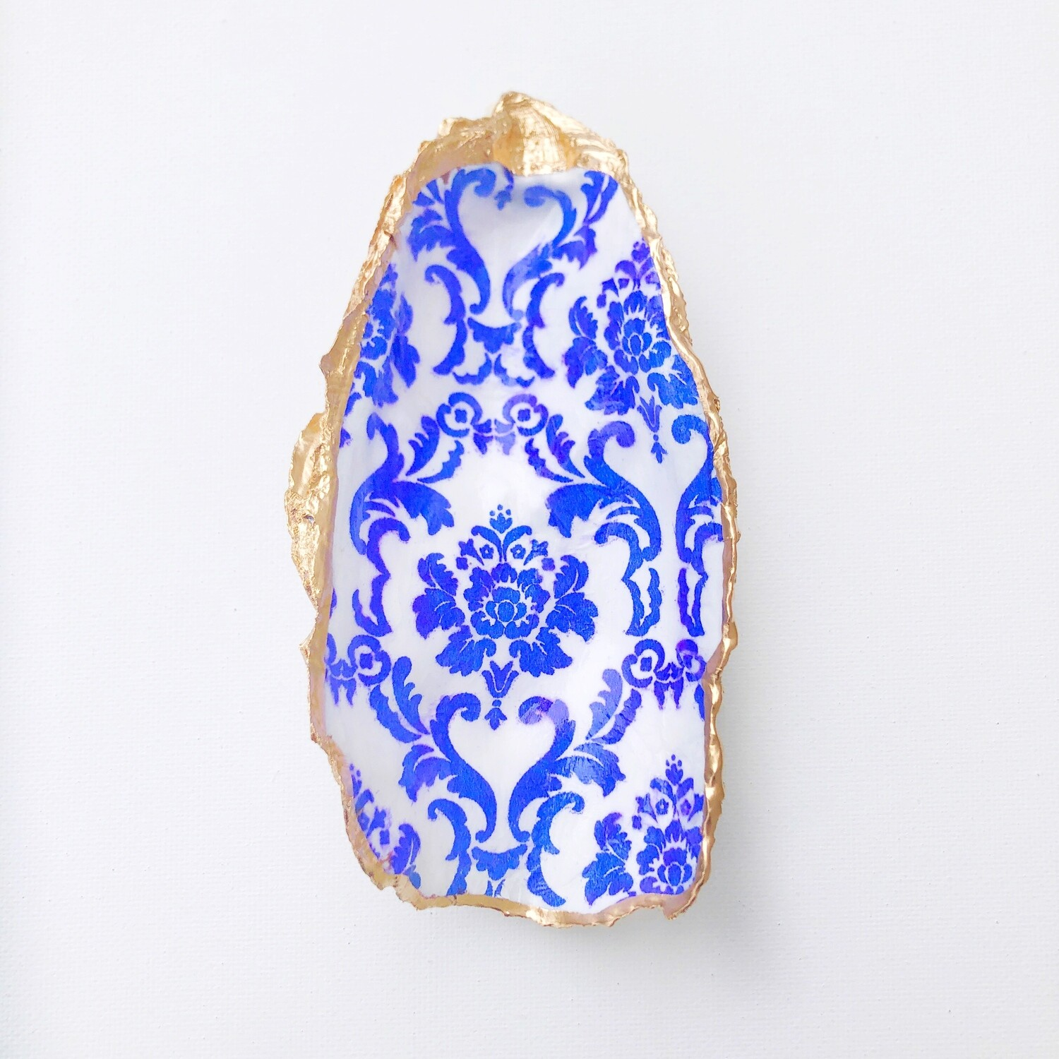 Boston Seaport Chinoiserie Blue Oyster Shell