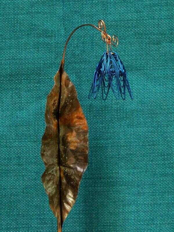 Dark Blue Simple Flower Stake