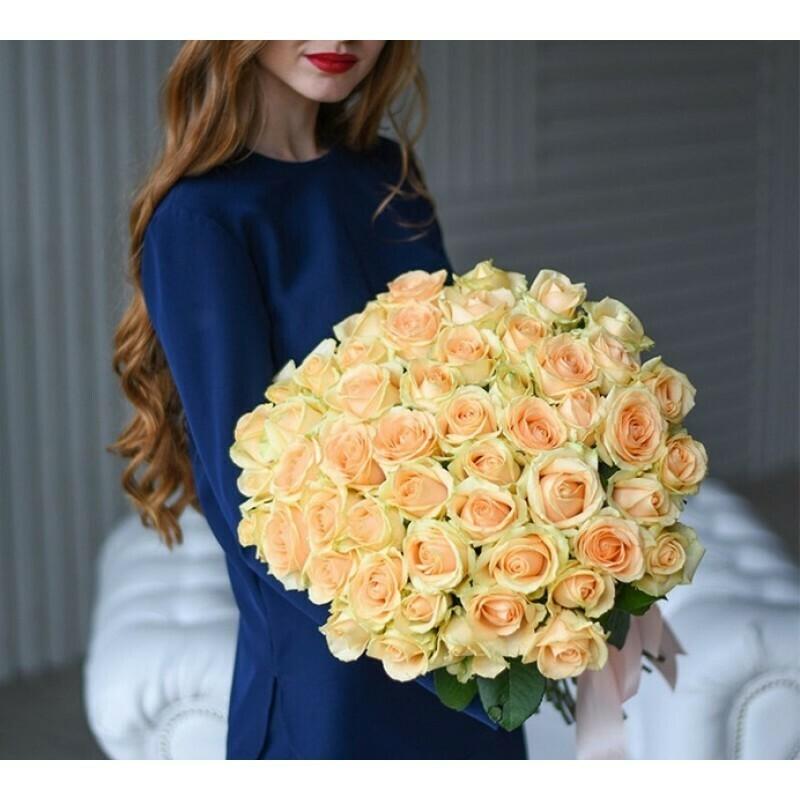 51 нежно-кремовая роза (Россия) Пич Аваланж