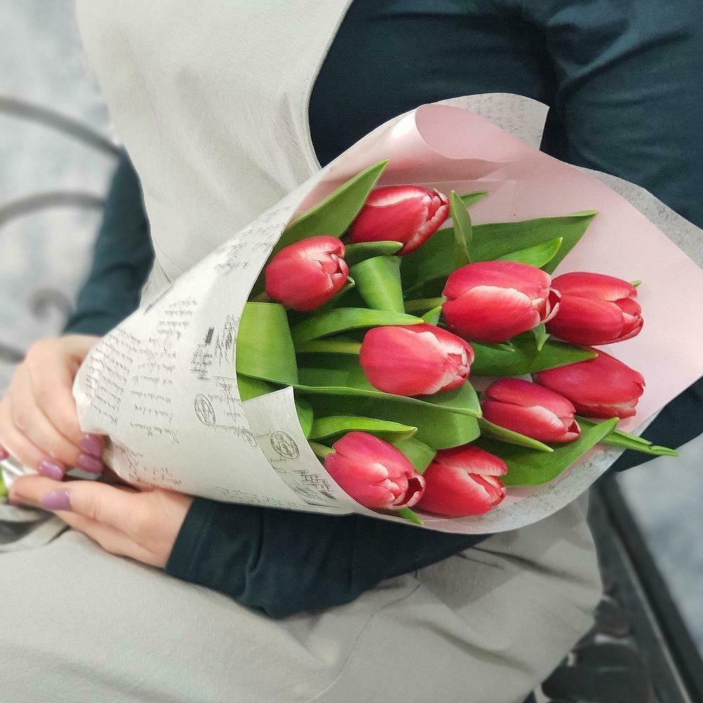 9 розовых тюльпанов