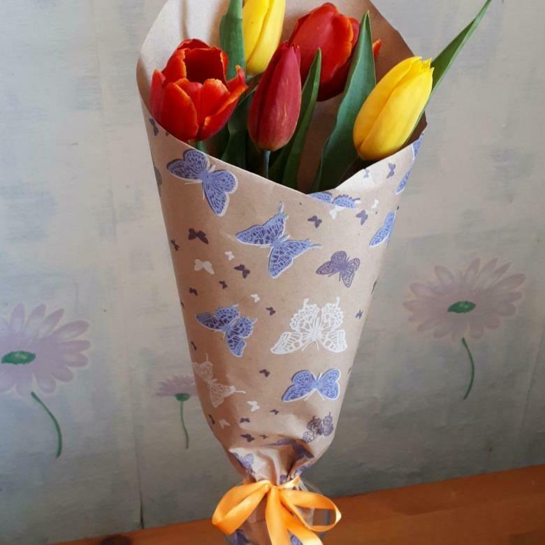 """5 тюльпанов в крафте """"Микс"""""""