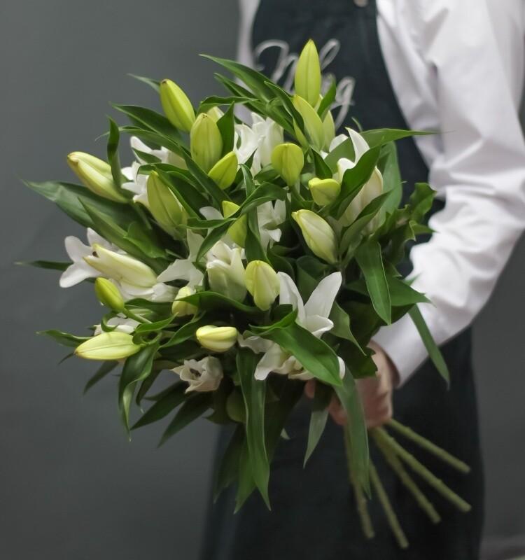 Букет 5 шт лилия