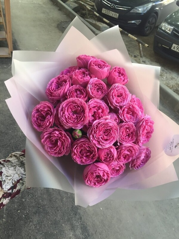 Букет из 9 кустовых роз Мисти Баблз