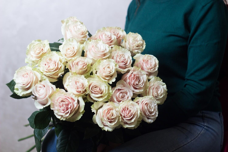 """Букет нежных роз """"Pink Mondial"""" 25 шт"""