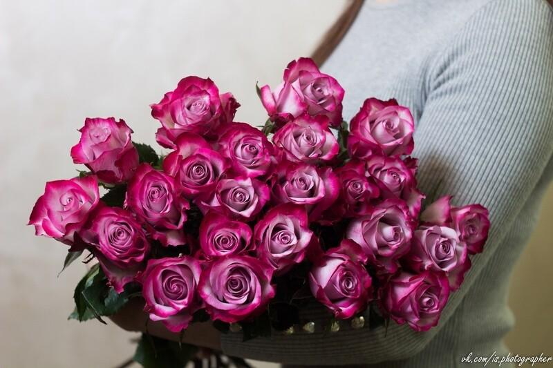 "Букет сиреневых роз ""Deep Purple"" 25 шт"