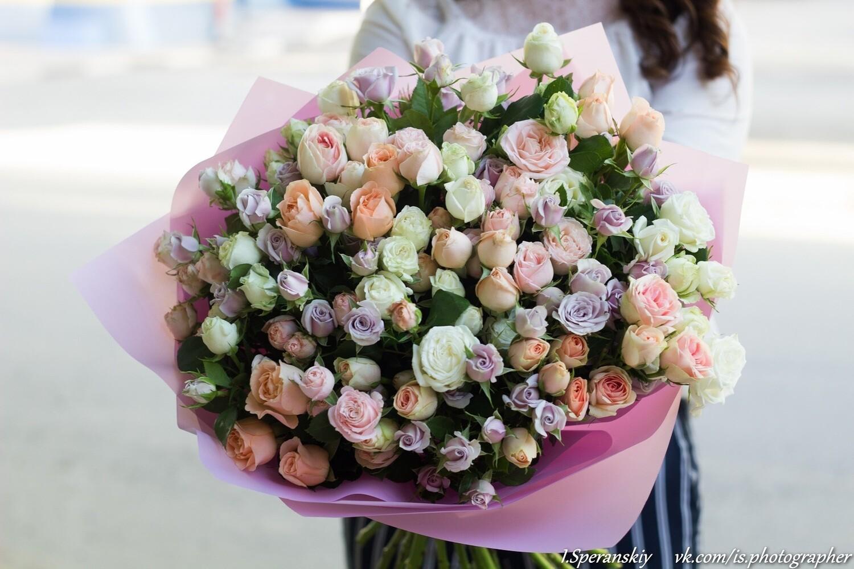 "Букет кустовых роз ""Антарес"" 31шт"