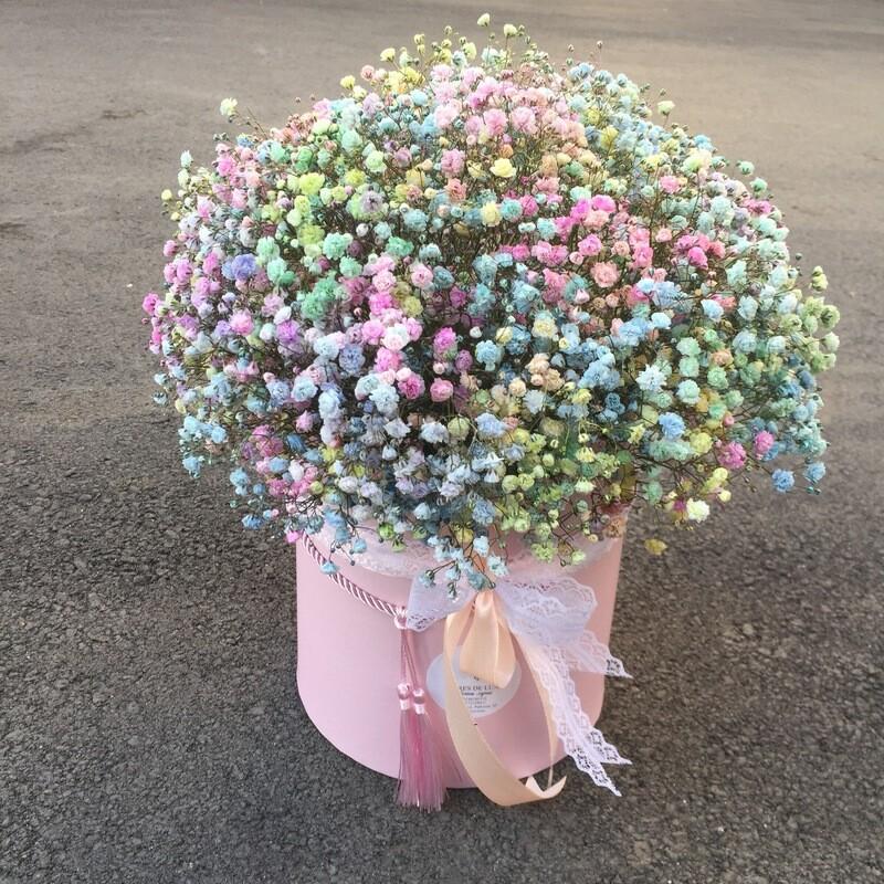 Цветы в коробке «Цветные сны»