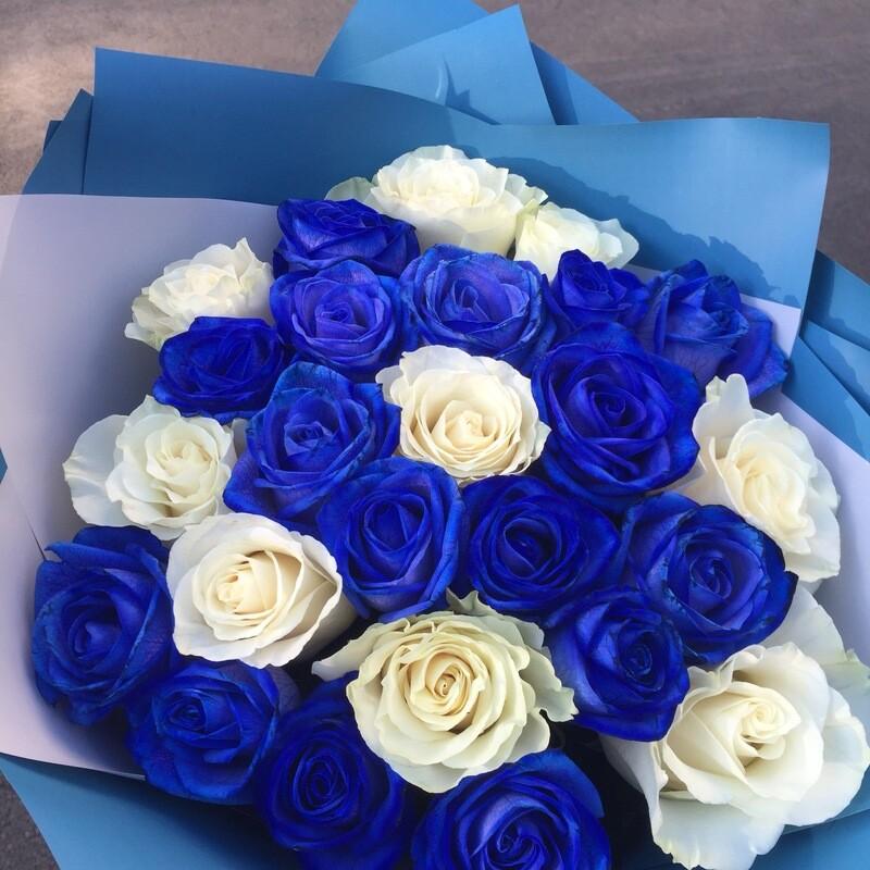 25  бело-Синих роз