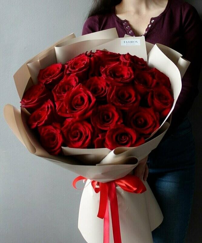 21 красная роза Эксплорер 60 см