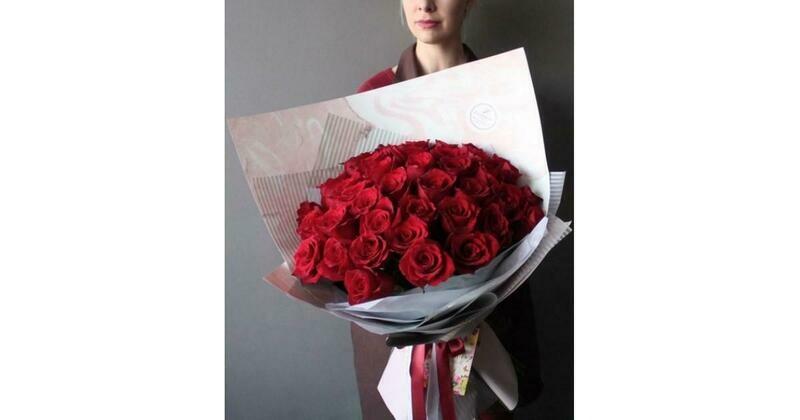 45 красных роз Эквадор 60 см