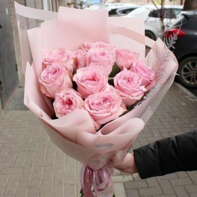 11 пионовидных нежных роз