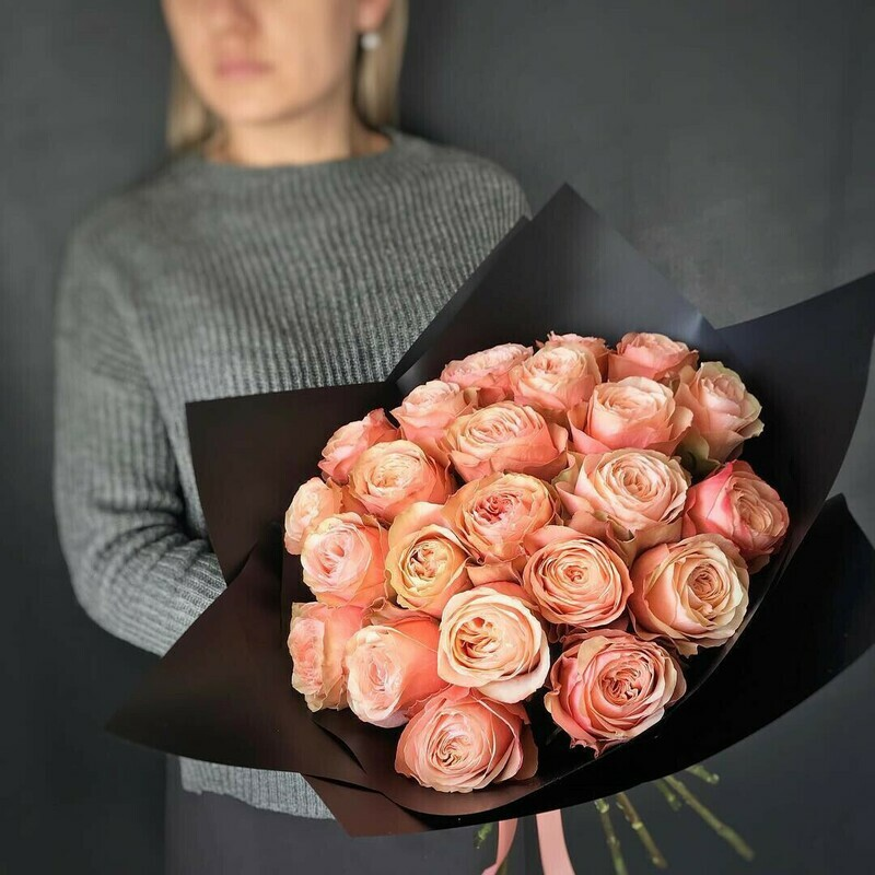 21 персиковая пионовидная роза Эквадор