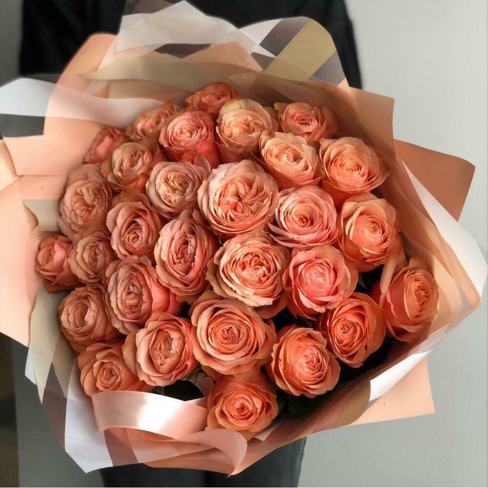 25 пионовидной персиковой розы Эквадор