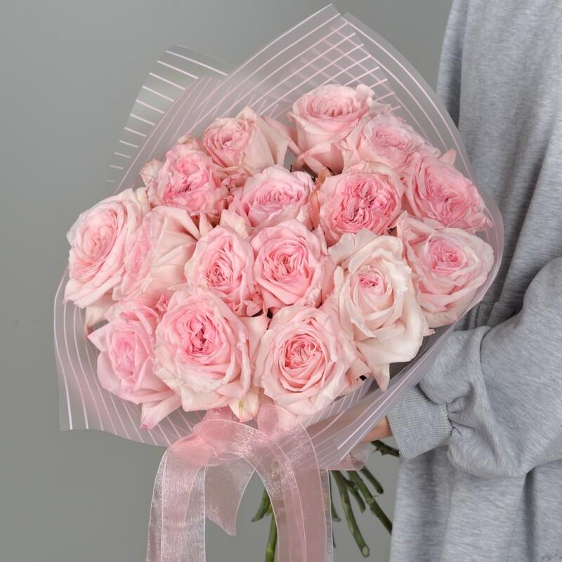 17 нежных пионовидных роз Эквадор