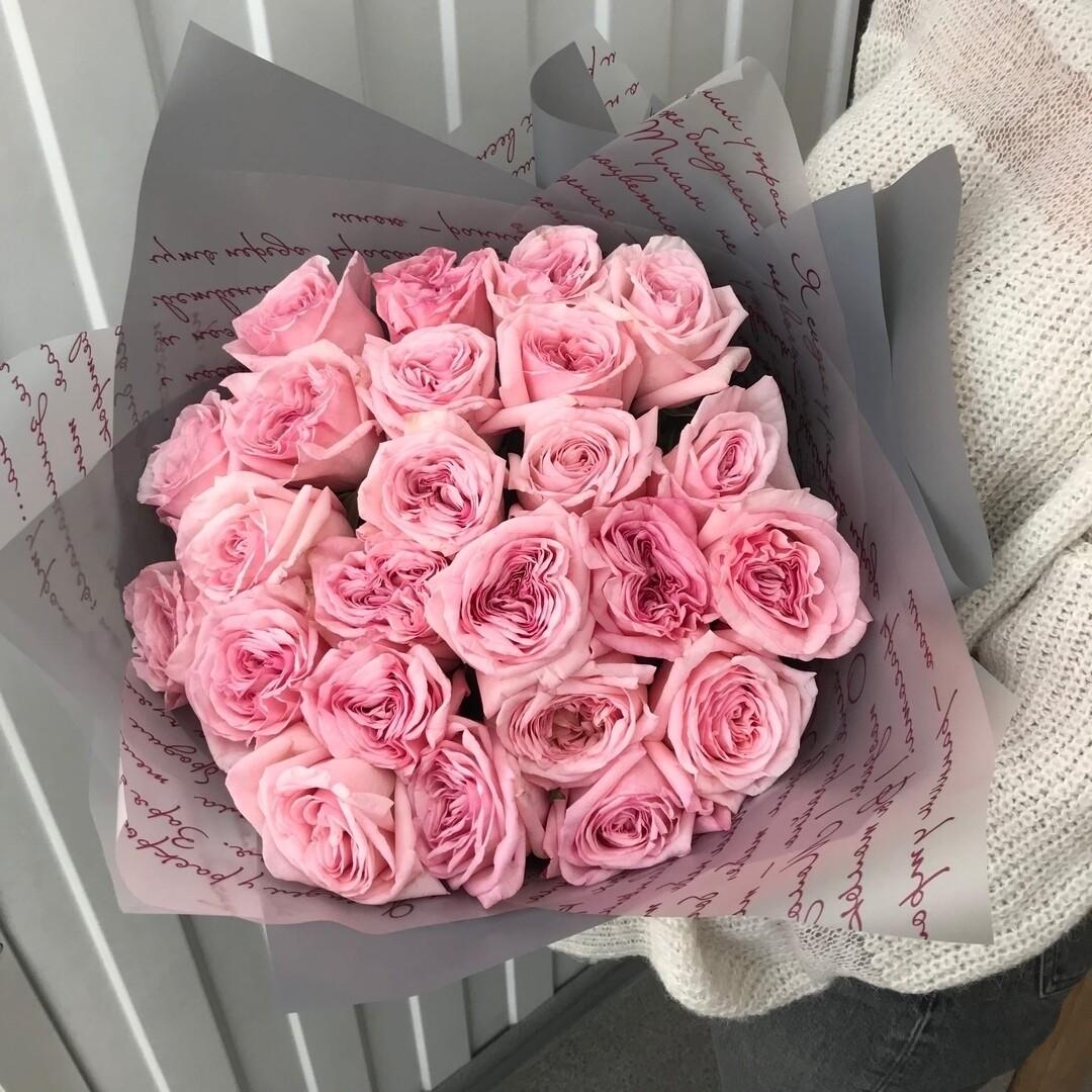21 нежная пионовидная роза Эквадор