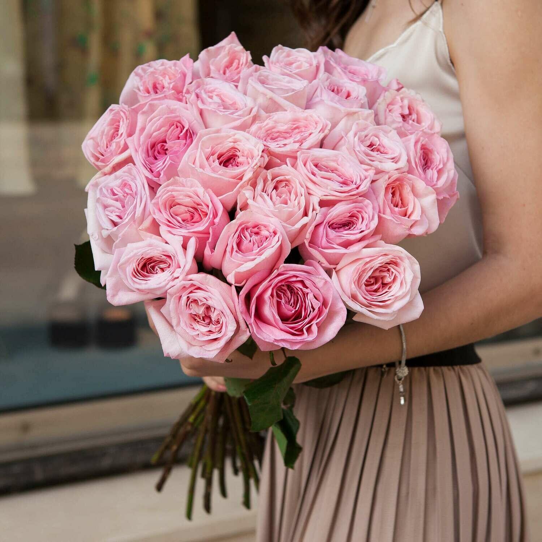 25 нежных пионовидных роз Эквадор
