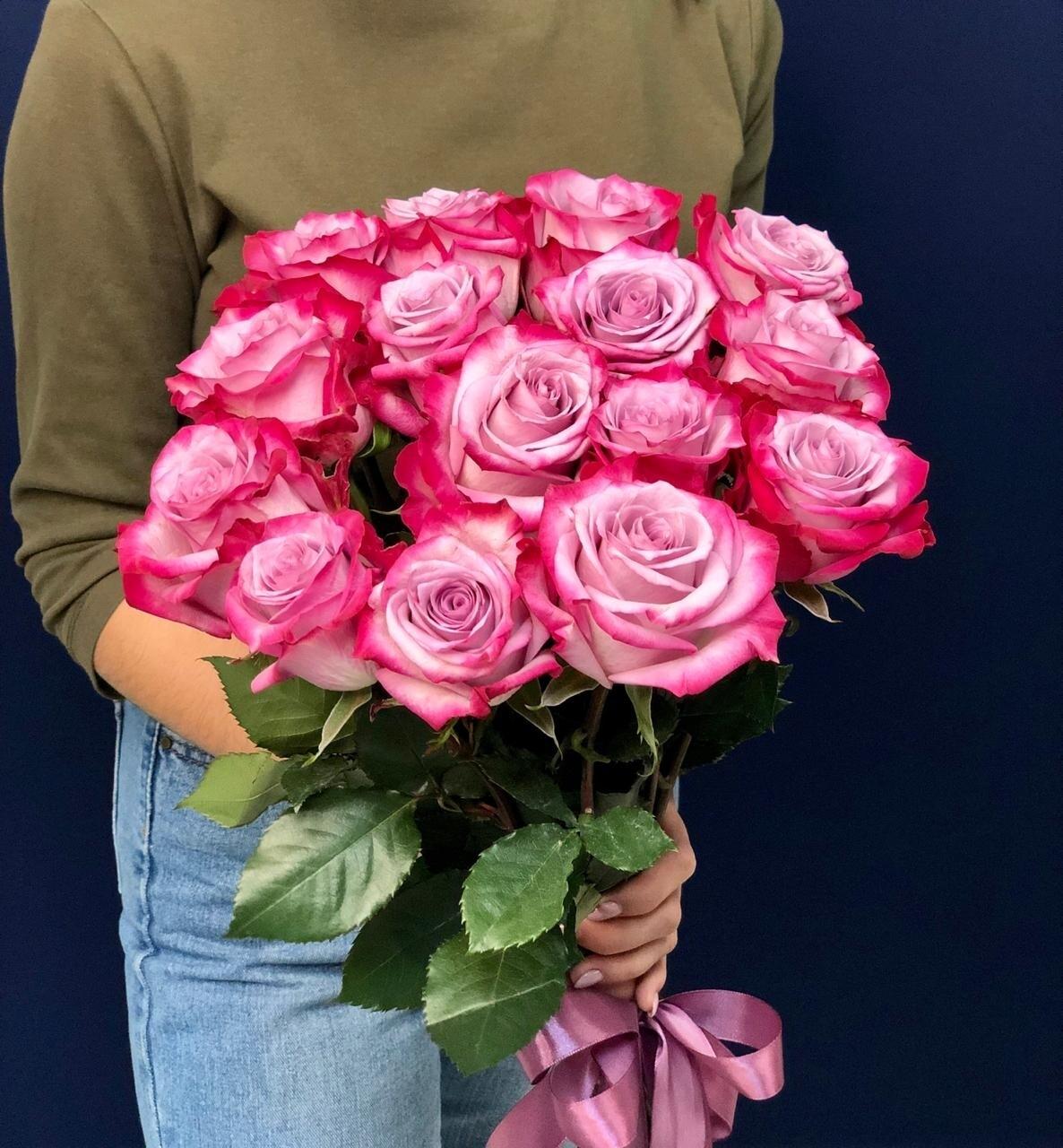 15 сиреневых роз Эквадор