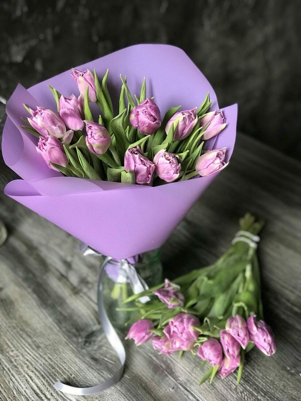 11 сиреневых тюльпанов
