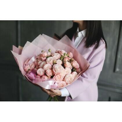 13 кустовых пионовидных роз