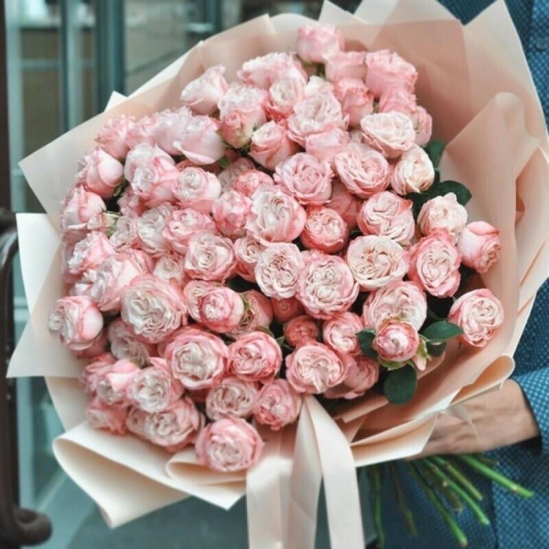 21 нежная кустовая пионовидная роза