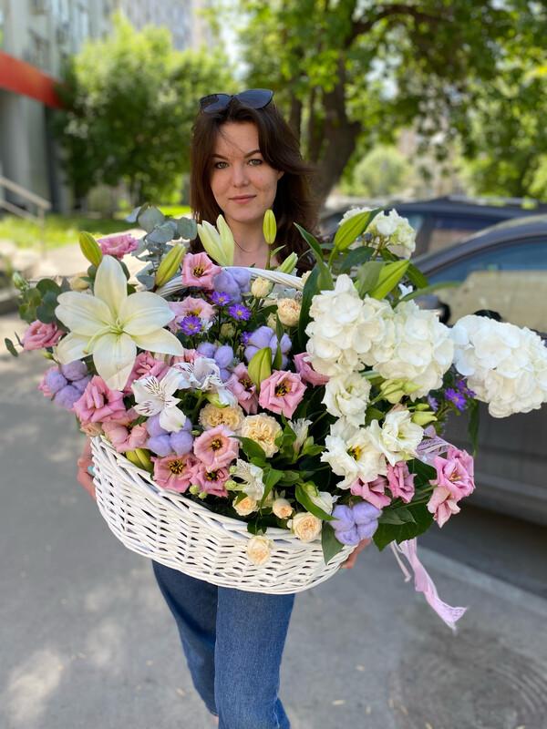 """Авторская Корзина цветов """"Алесса"""""""
