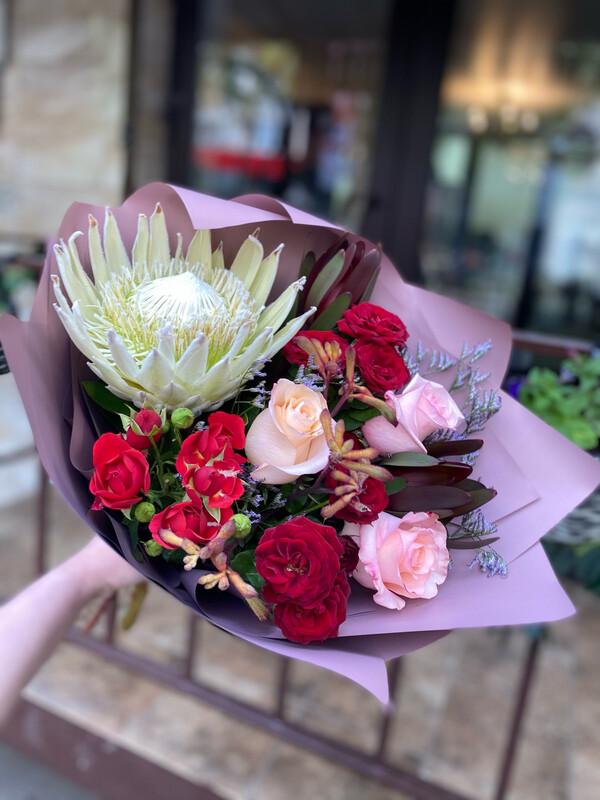 """Букет цветов """"Ителия"""" в наличии с бесплатной доставкой по Саратову"""
