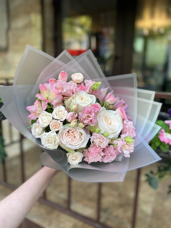 """Букет цветов """"Ноелия"""" в наличии с бесплатной доставкой по Саратову"""