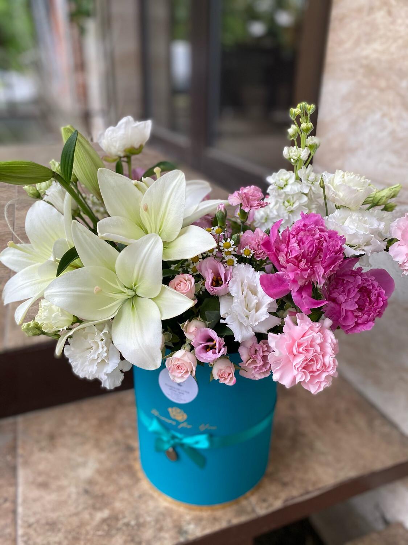 """Авторская коробка цветов """"Мавра"""""""
