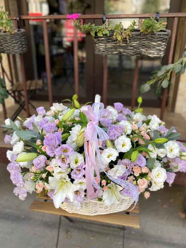 Авторская огромная Корзина цветов «Виви»