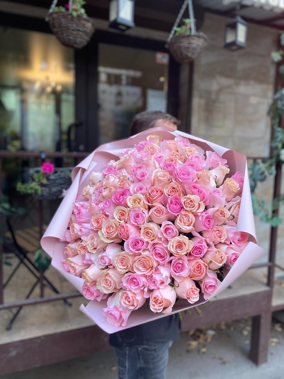 101 нежная  роза Эквадор микс