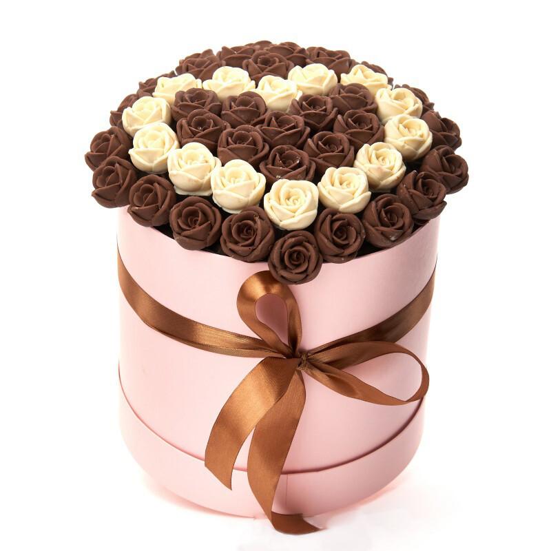 Коробка из 45 шоколадных роз
