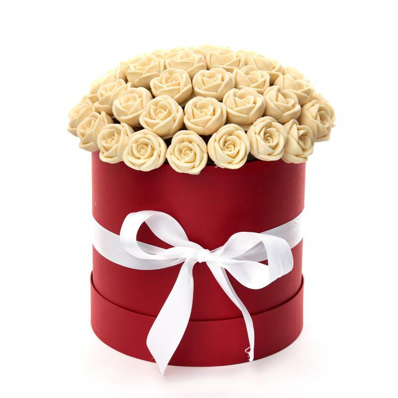 Коробка из 47 шоколадных роз