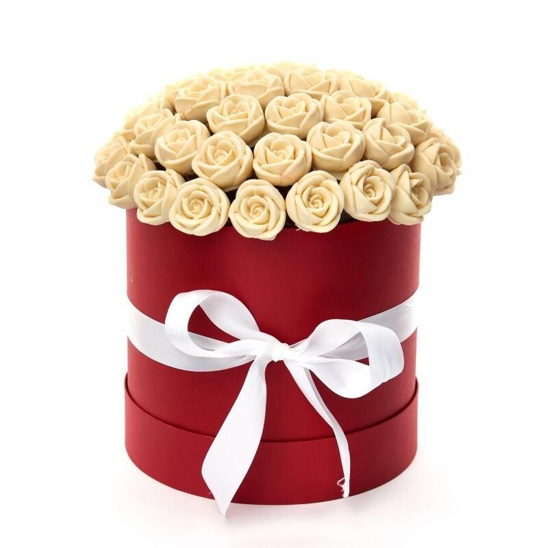 Коробка 57 шоколадных роз