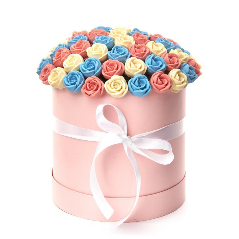 Коробка 55 шоколадных роз