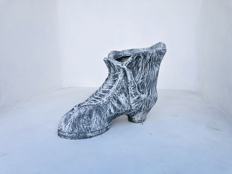 Shoe Planter Whitewash Finish - L560mm x H350mm x W310mm - 17kg