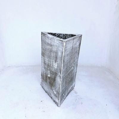 Triangle Pot Medium Whitewash Finish - H540mm x W310mm - 20kg