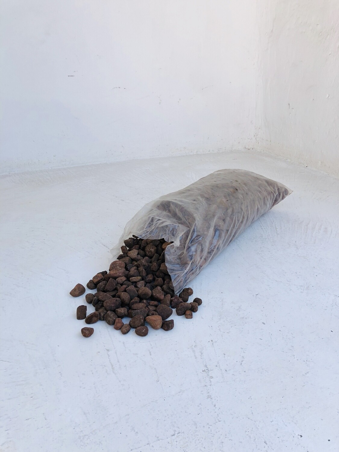 Brown Pebbles X-Small 10-20mm 300 x 600mm bags between 18 and 20kg