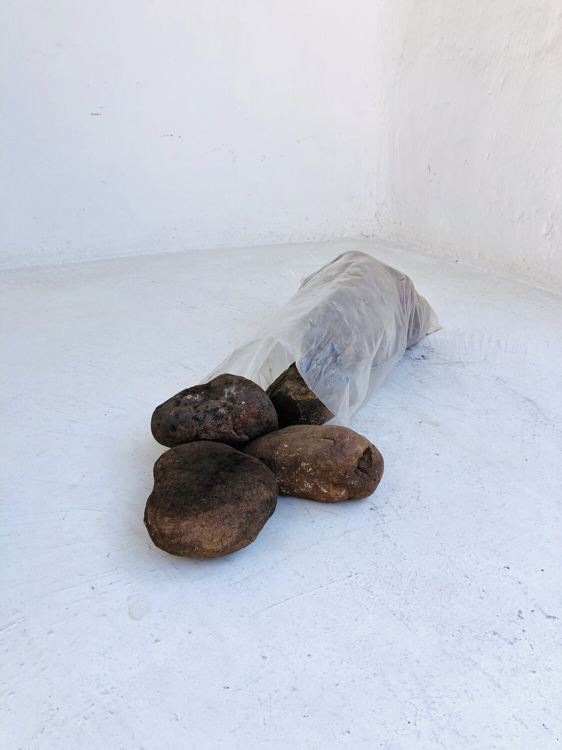 Brown Pebbles X-Large 100-120mm 300 x 600mm bags between 18 and 20kg