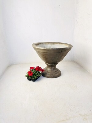 Classic Oval Planter Weathered Finish - H480mm x W580mm - 22kg