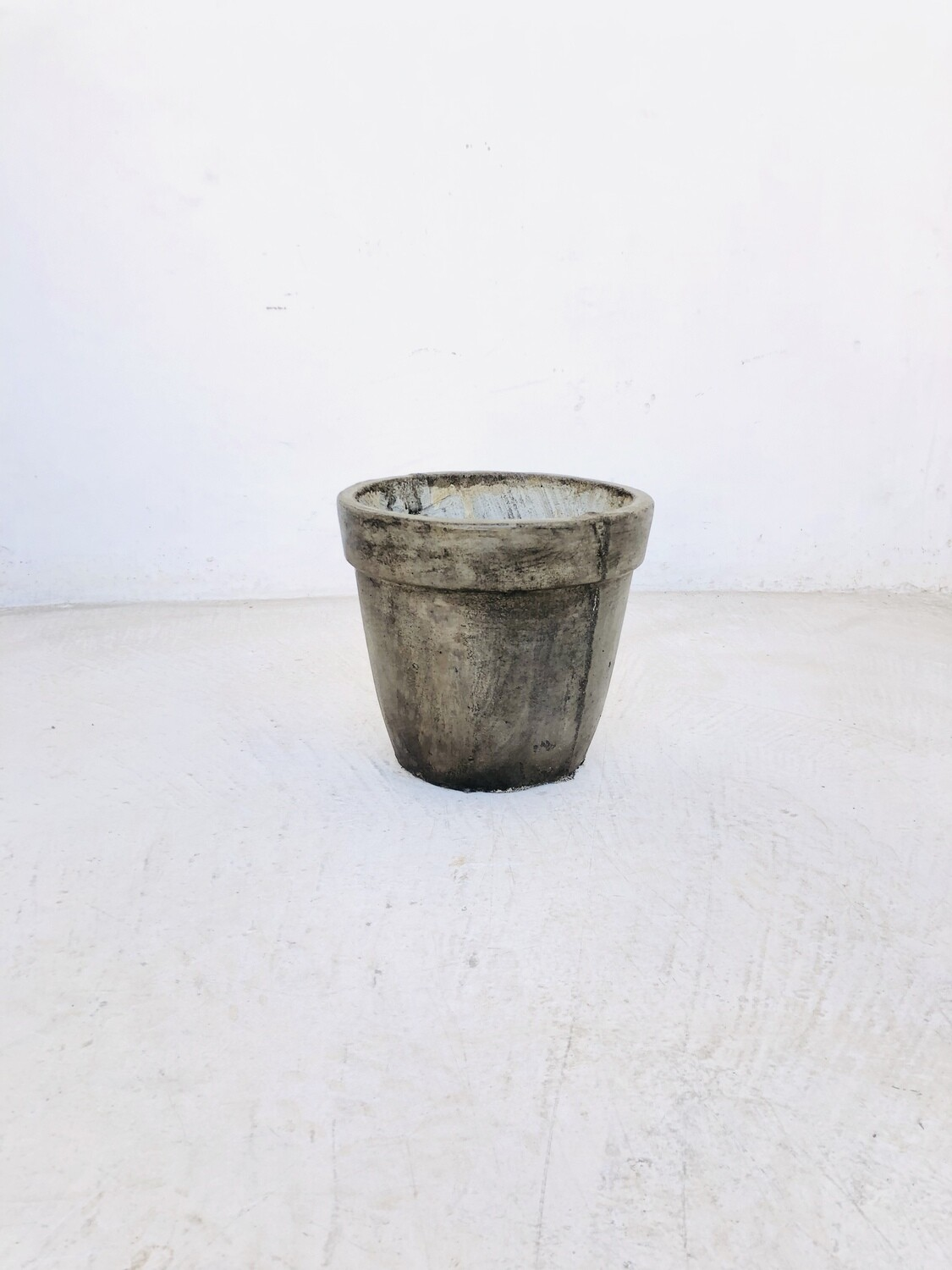 Lollipop Planter Small Weathered Grey Finish - H220mm x W230mm - 5kg
