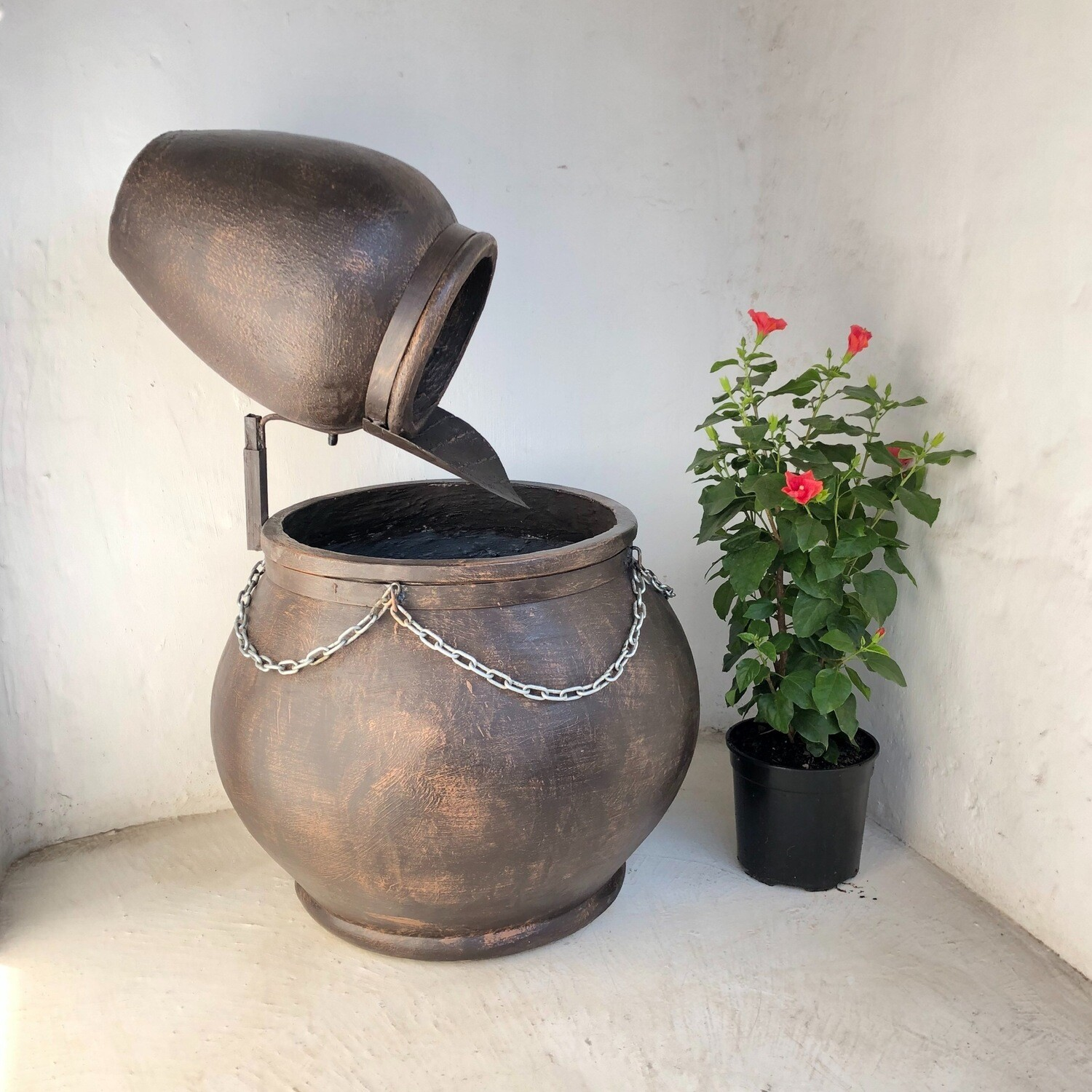 Africana Jeanne Fountain Large Mecca Brown Finish with Steel & Chain - H1100mm x W730mm - 57kg