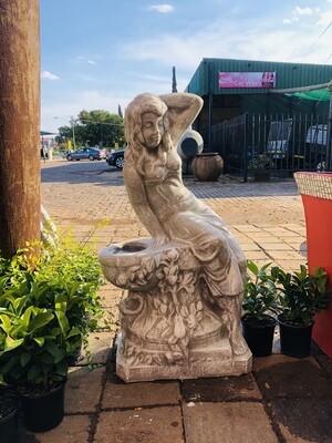 Queen Elizabeth Statue Whitewash Finish - H1200mm x W600mm - 210kg