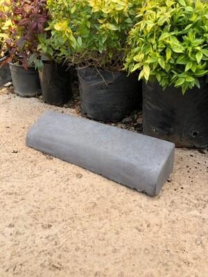 Bull Nose Garden Edging Stone LARGE Black - 445x125x80mm - 8kg