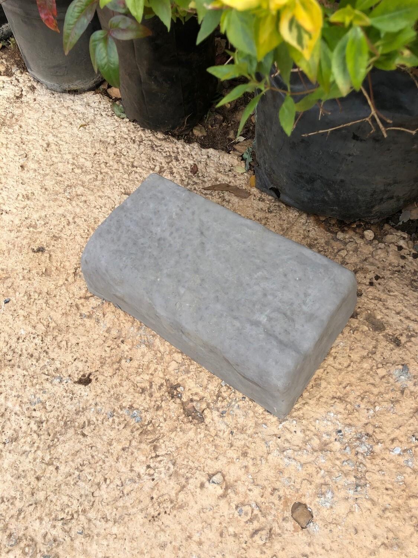 Rock Garden Edging Stone Black - 265x150x75mm - 6kg
