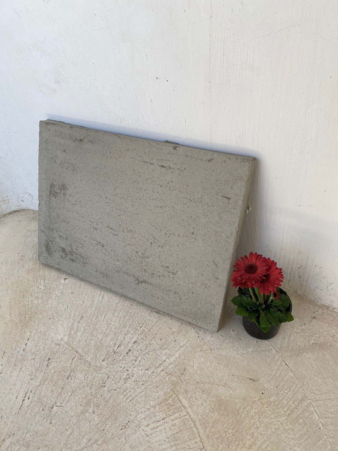 Rustic Large Stepping Stone Plain Cement - 620x440x30mm  - 21kg