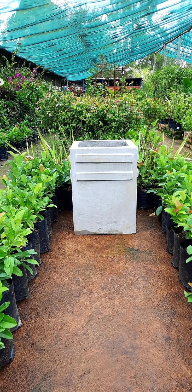 Rhinoceros Medium Cement Pot - H600mm x W450mm