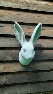 Bunny Small Cement Finish - H310mm x L200mm - 3kg